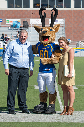 Louie the Loper took a few moments with Chancellor Doug Kristensen and McKenzie Cuba.