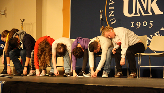 Photo by Jessica Turek 3. Wand puts students back into a hypnotic state between acts.